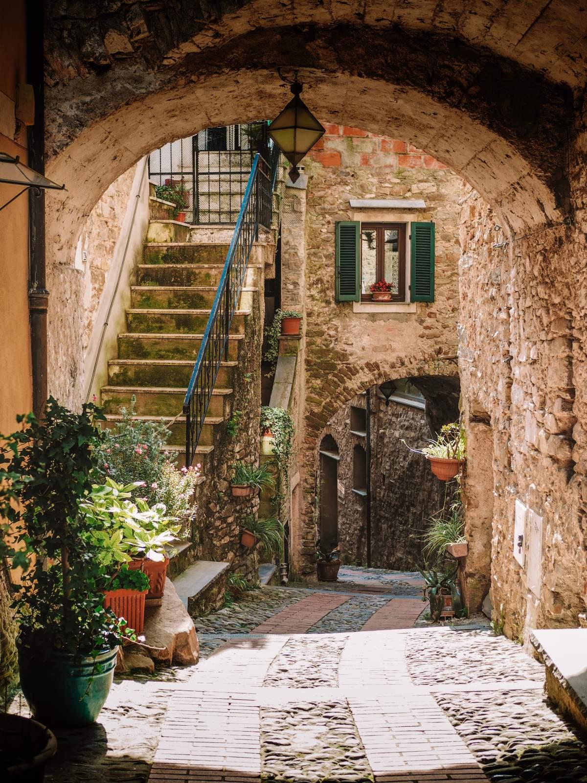 Dolceacqua μεσαιωνικό χωριό, δυτική Λιγουρία