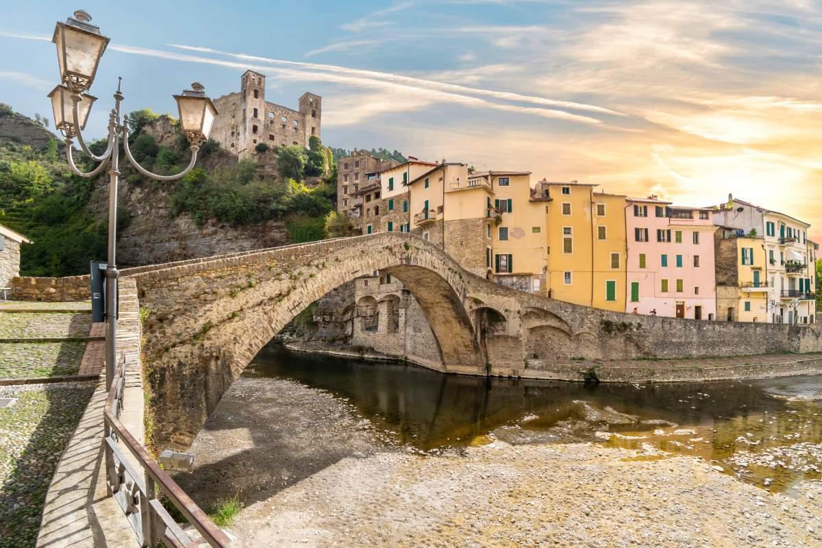 Dolceacqua μεσαιωνικό χωριό, δυτική Λιγουρία, Ιταλία