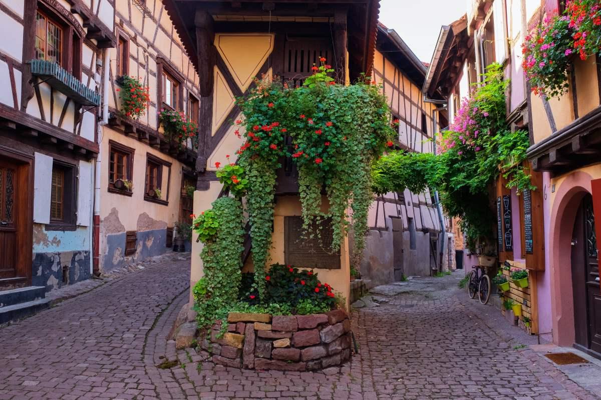 Στα στενά σοκάκια του Eguisheim, Γαλλία