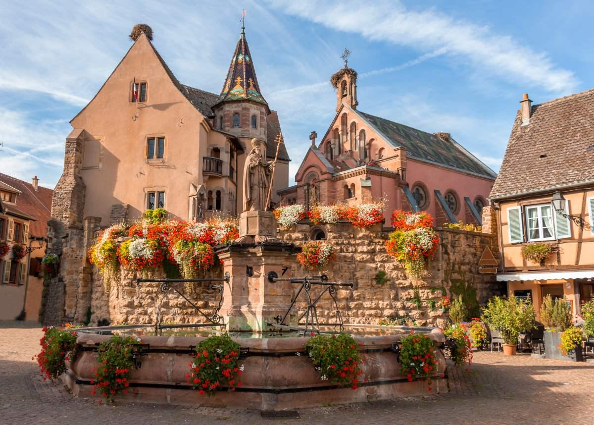 Στο κέντρο του Eguisheim, Γαλλία
