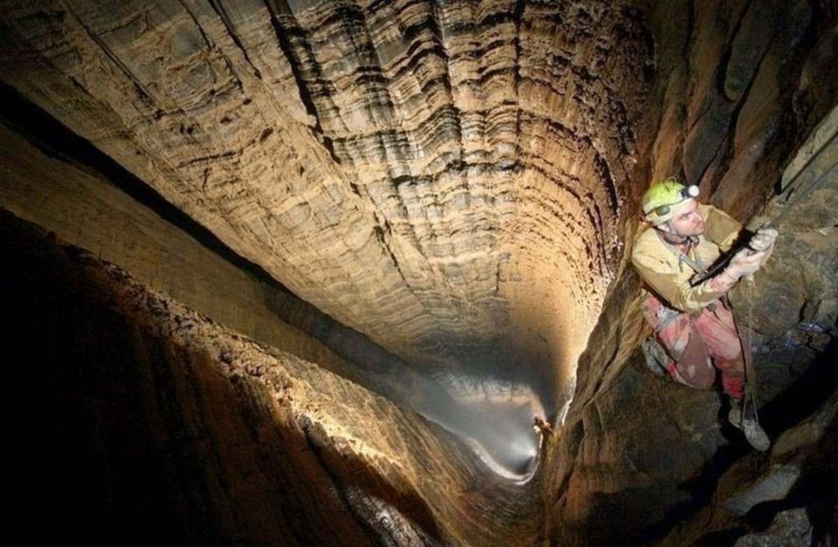 το βαθύτερο σπήλαιο του κόσμου