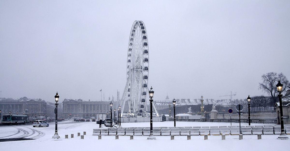 Place de La Concorde με χιόνια