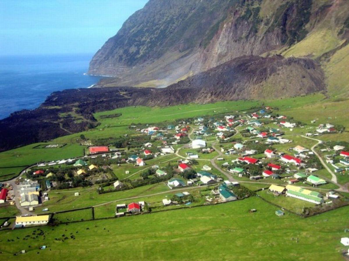 Tristan da Cunha, Νότια Αφρική