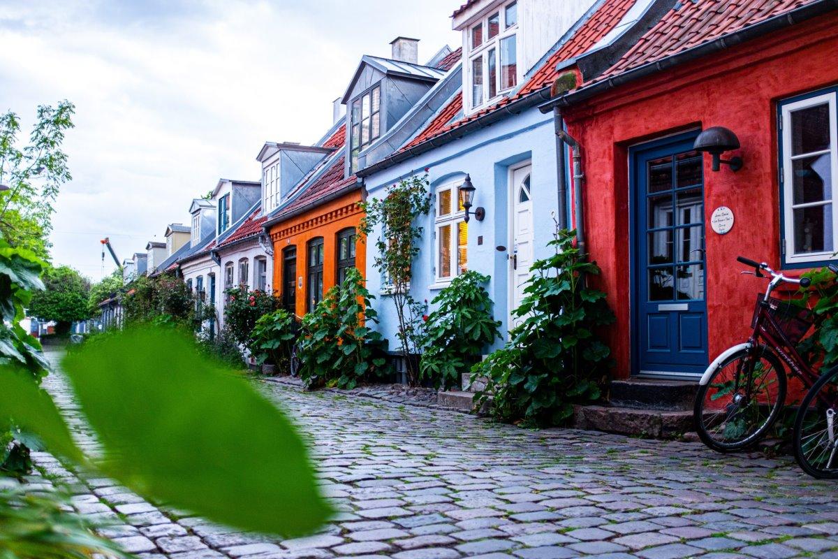 Άαρχους πολύχρωμη παλιά πόλη