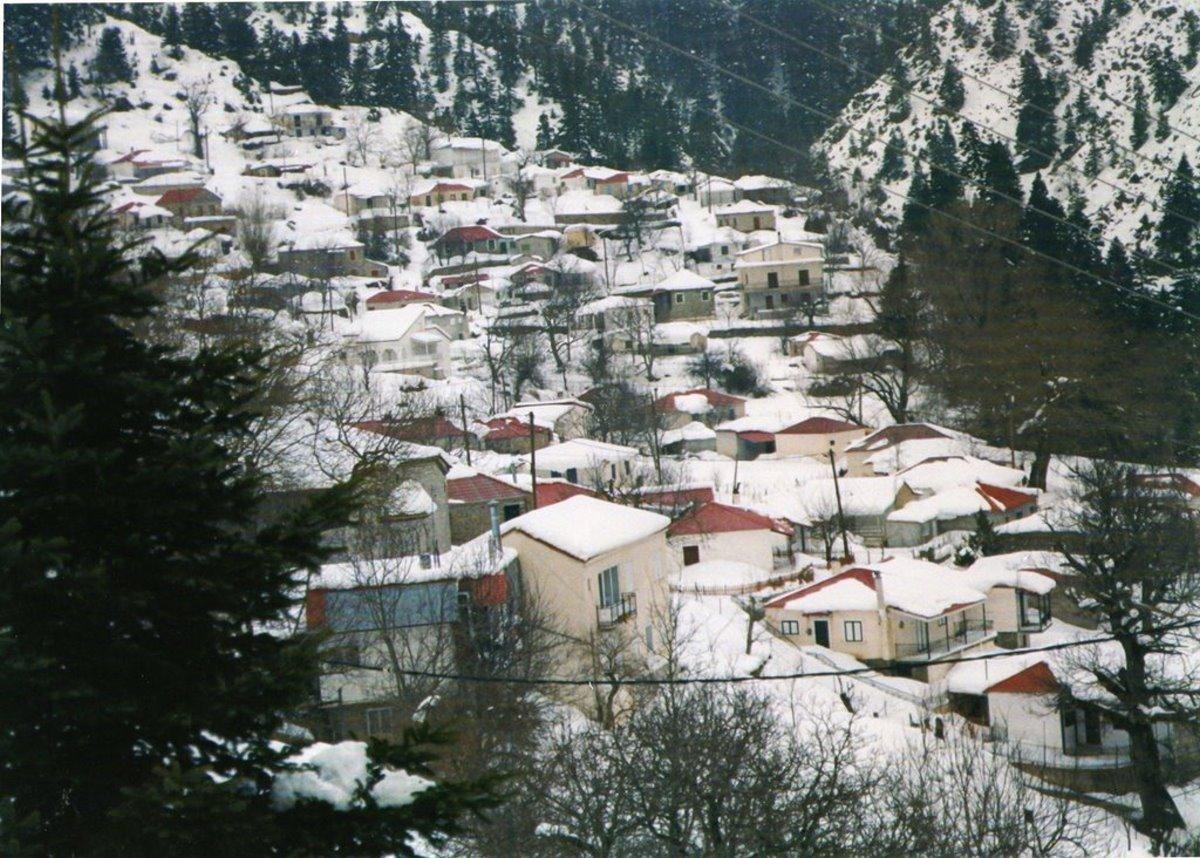 Άμπλιανη Ευρυτανία χιονισμένη