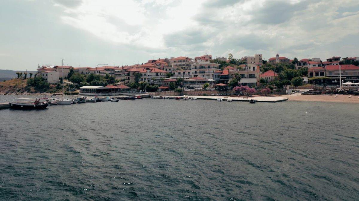 Αμμουλιανή οικισμός στο νησί της Χαλκιδικής
