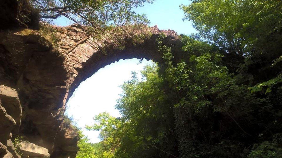 γέφυρα καμάρα μεγαλόχαρη αχελώος