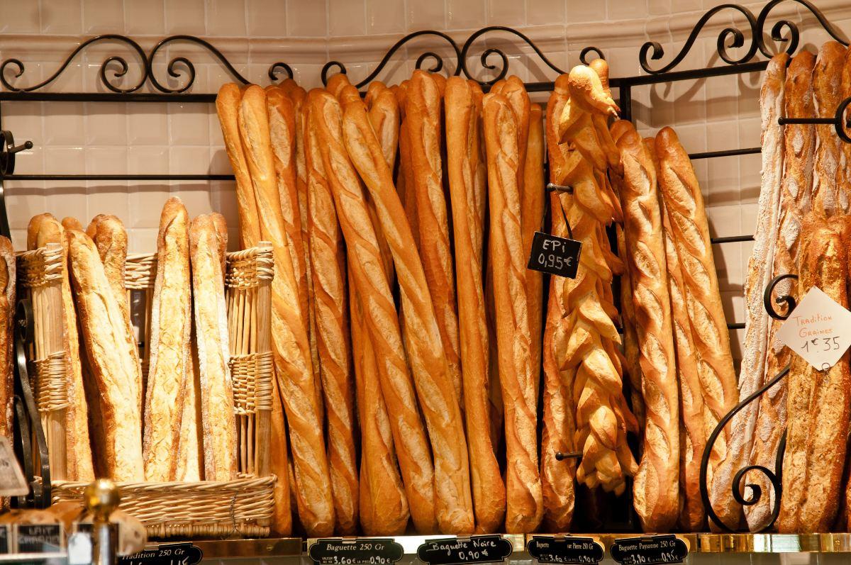Παραδοσιακές μπαγκέτες σε γαλλική boulangeries