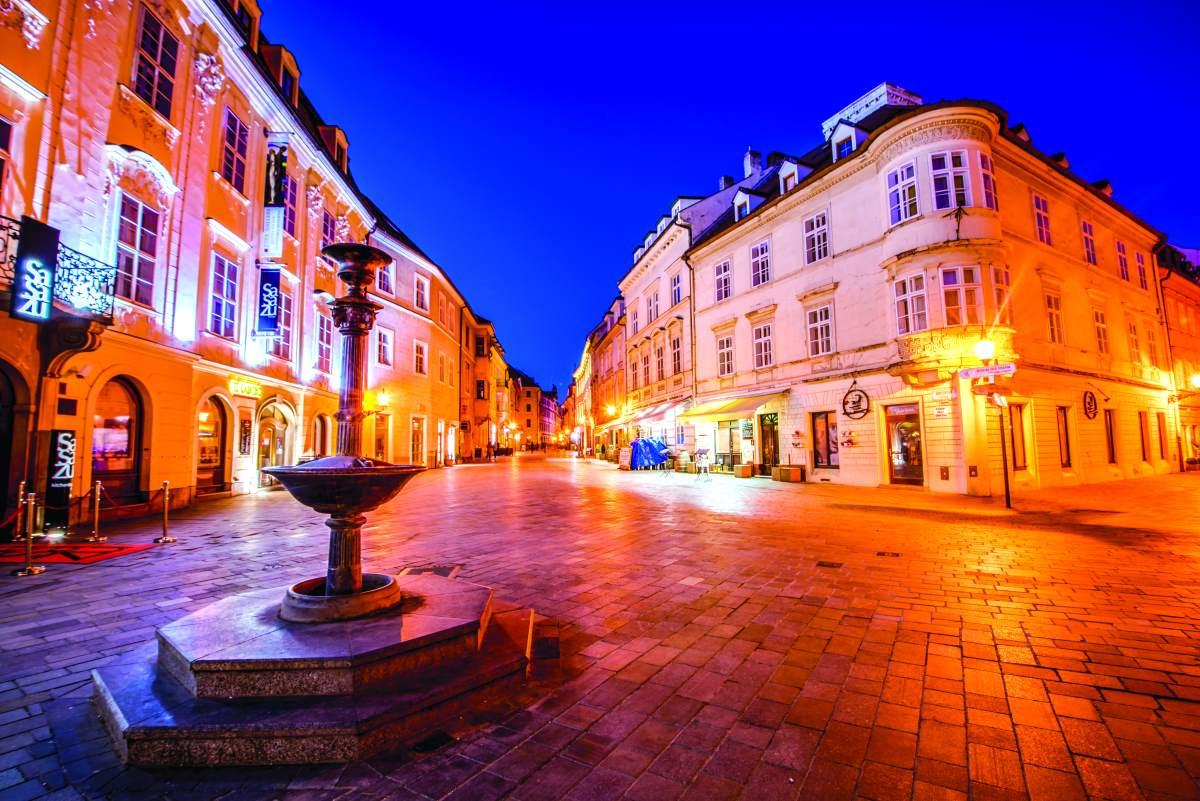 Στην κεντρική πλατεία της Μπρατισλάβα