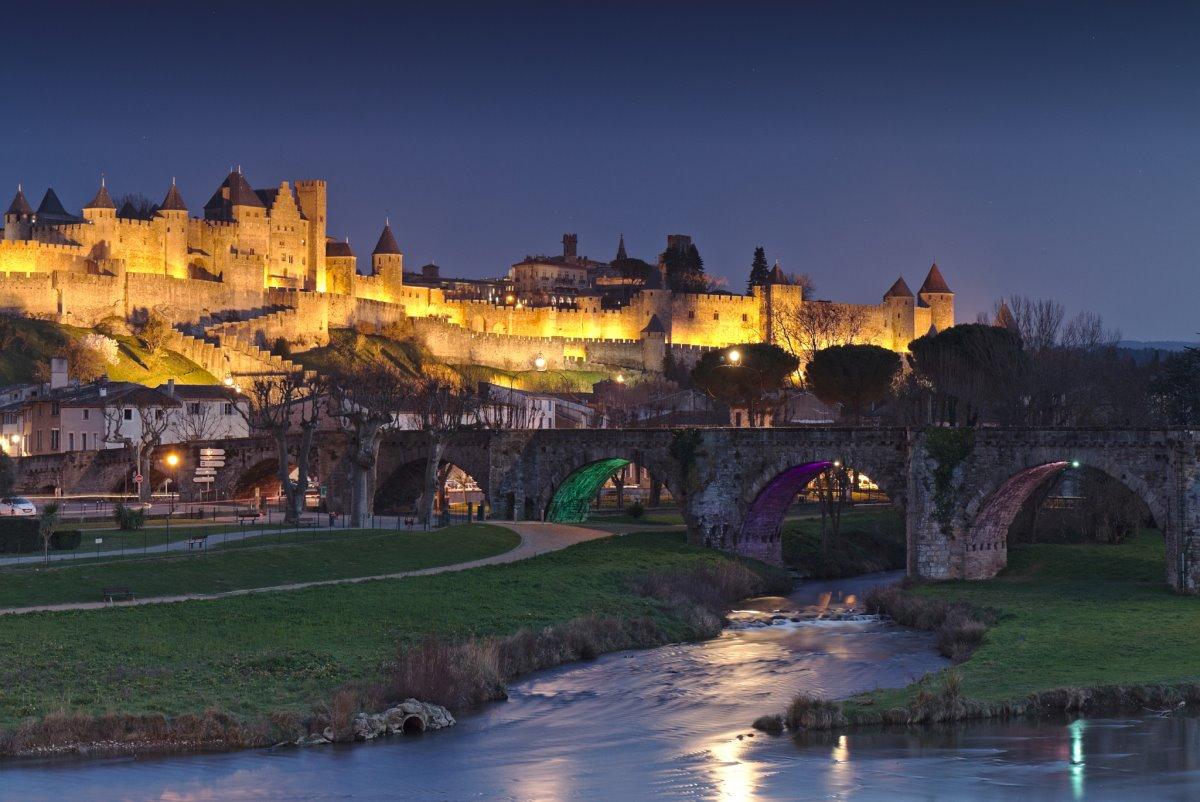 """Η """"πέτρινη"""" Carcassonne της Γαλλίας"""