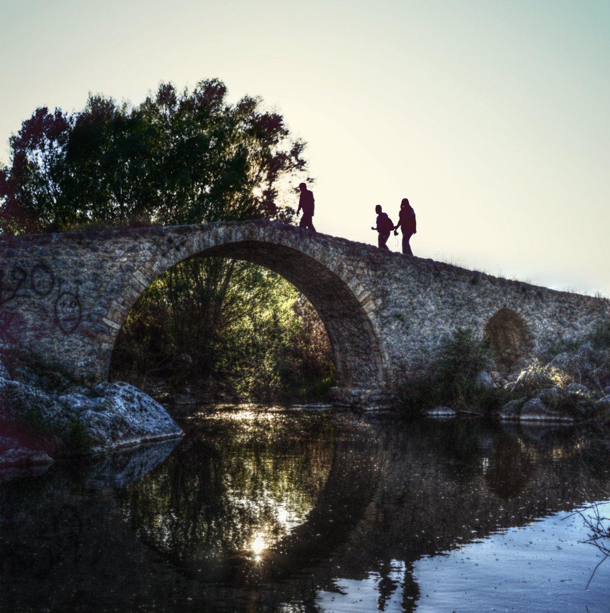 Πέτρινο γεφύρι που θυμίζει Ζαγόρι στην Αθήνα