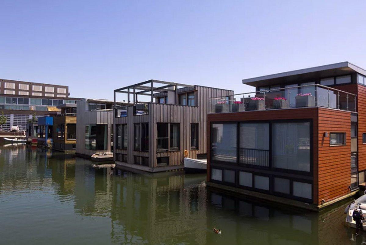 Σπίτια επιπλέουν στο νερό Άμστερνταμ