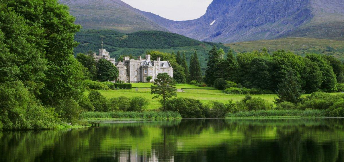 Inverlochy Castle Σκωτία ξενοδοχείο κάστρο μέσα στο πράσινο