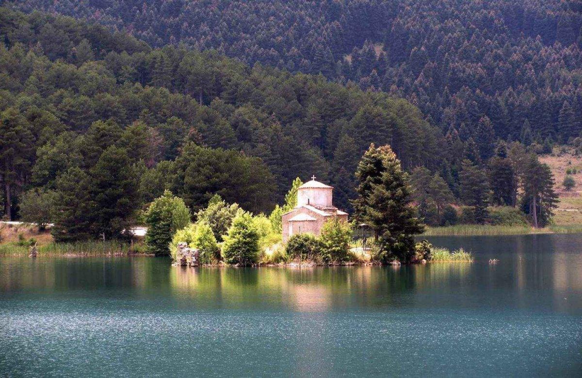 Ορεινή Κορινθία Λίμνη Δόξα
