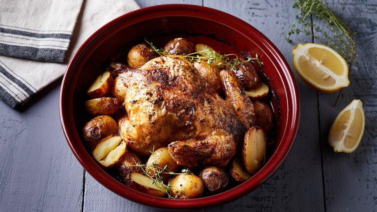 Ελλάδα-Κοτόπουλο στο φούρνο με πατάτες