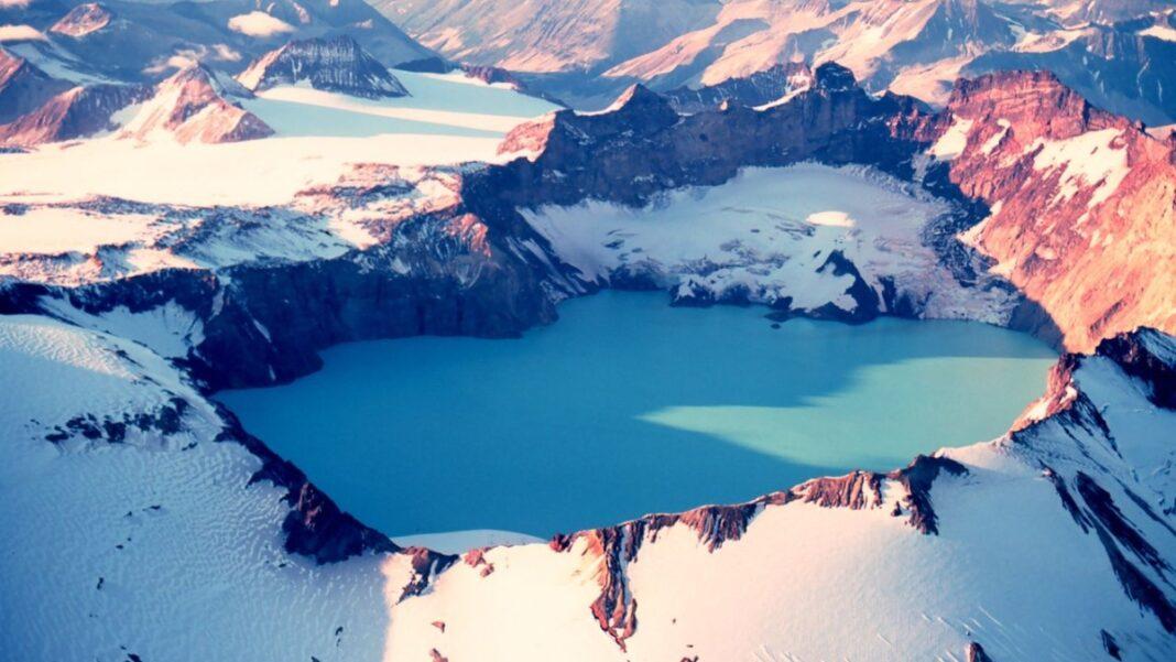 Λίμνες κρατήρες σε ηφαίστεια
