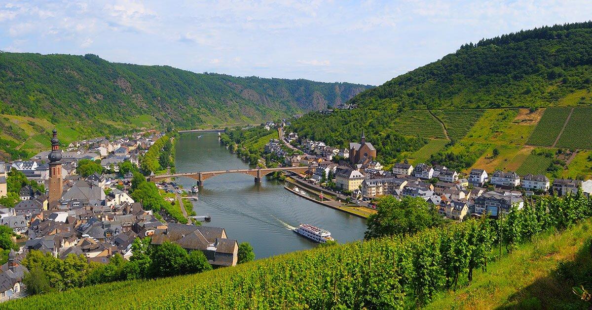 Κοιλάδα και ποταμός ποταμός Moselle Λουξεμβούργο