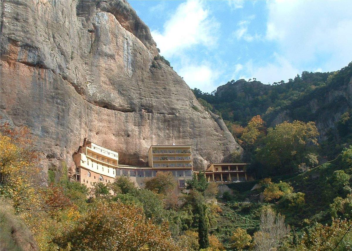 Μέγα Σπήλαιο Καλάβρυτα αρχαιότερη μονή
