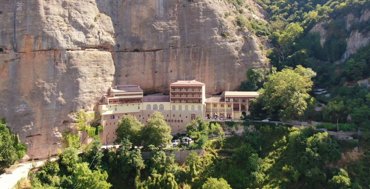 Μέγα Σπήλαιο μοναστήρι Πελοπόννησος