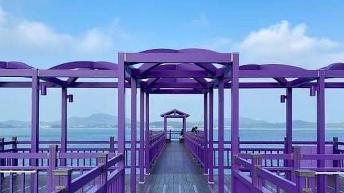 Γέφυρα στο Banwol το μοβ νησί
