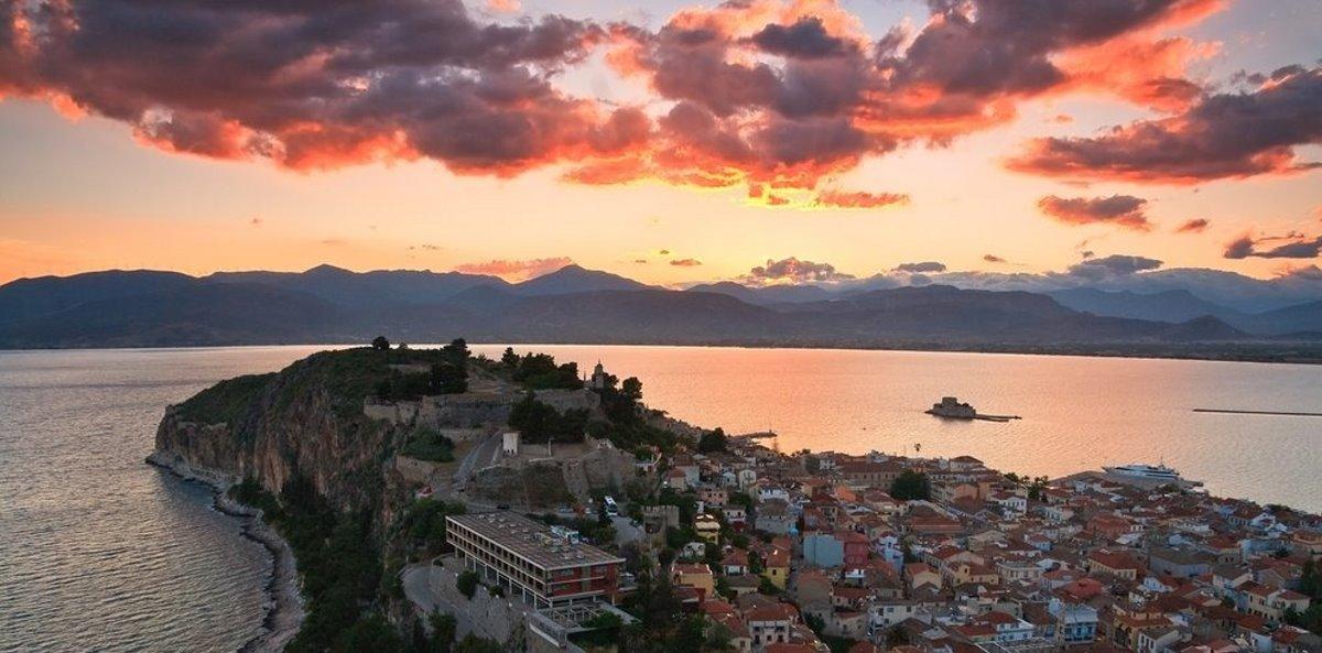 Νάπολη της Ανατολής το ηλιοβασίλεμα