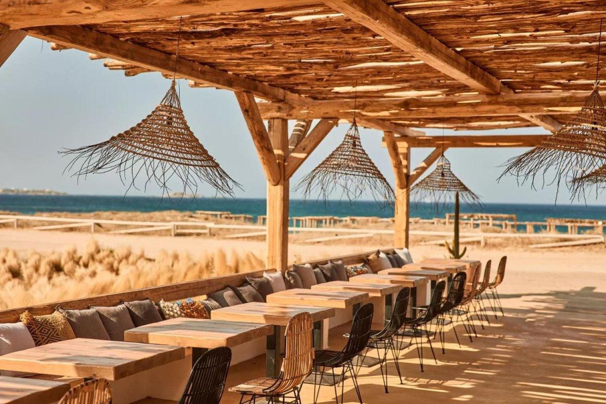 Naxian by the Beach Νάξος στο μπαρ
