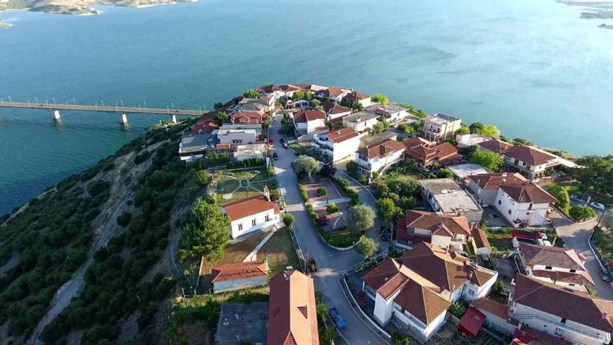 Νεράιδα Κοζάνης σπίτια χωριού