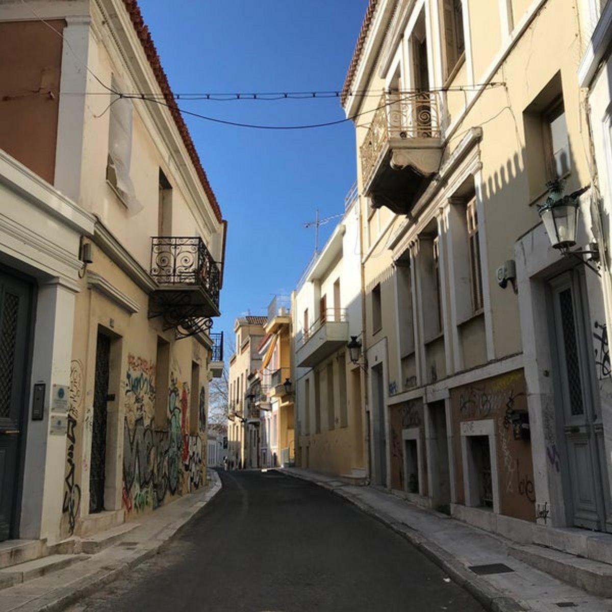 Πλάκα, Τριπόδων Αθήνα