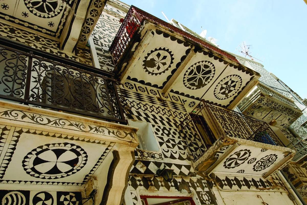 Πυργί Χίος, τα κτήρια που μοιάζουν σαν κεντημένα