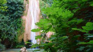 Στενωσιά: Ταξιδεύουμε στo ιστορικό χωριό της Μεσσηνίας με τους εκπληκτικούς καταρράκτες – Ένας μικρός καταπράσινος παράδεισος!