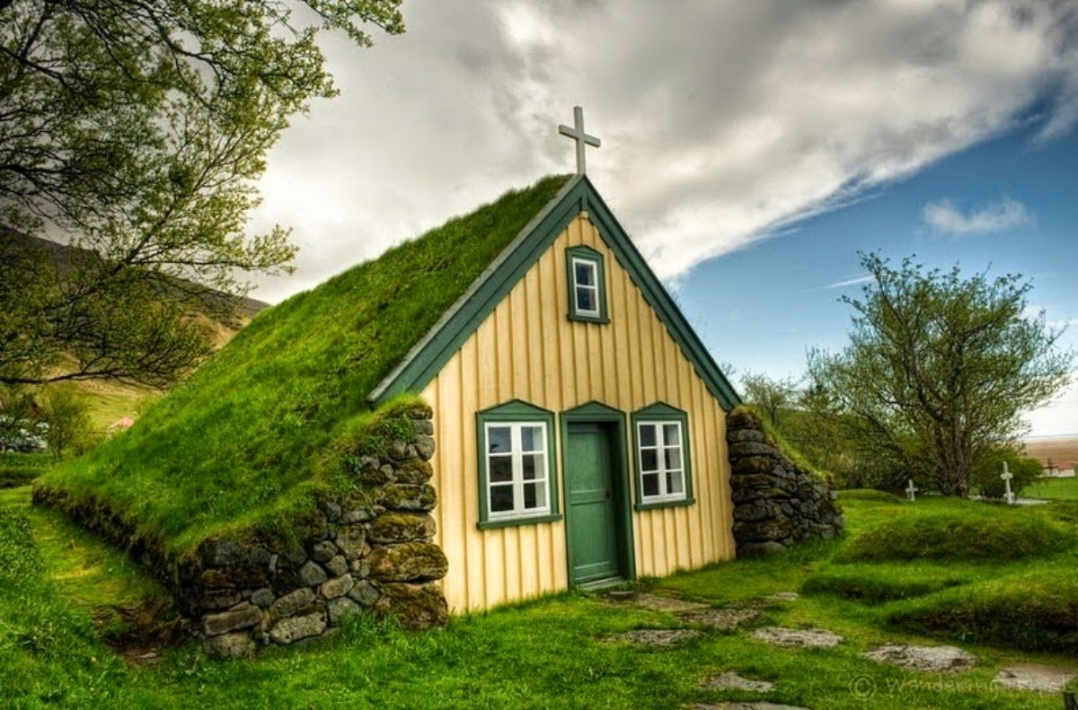 Η εκκλησία στο χωριό Χοφ, Ισλανδία