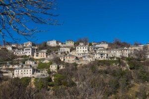 7 ονειρεμένα ελληνικά χωριά για υπέροχες φθινοπωρινές εκδρομές!