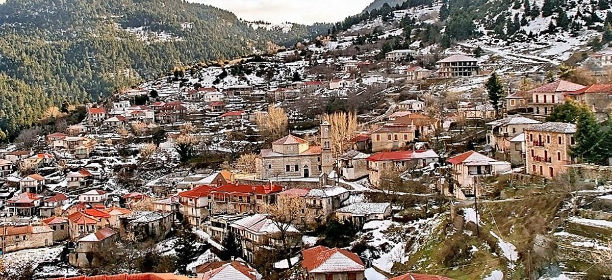 """Αρκαδία: Ανακαλύπτουμε το πιο ρομαντικό χωριό της Ελλάδας και περπατάμε στον υπέροχο """"δρόμο της αγάπης""""!"""