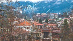 """Οδοιπορικό σε 9 χωριά του Παρνασσού που """"συναγωνίζονται"""" σε ομορφιά την Αράχωβα! Τα κρυφά """"διαμαντάκια"""" της Βοιωτίας…"""