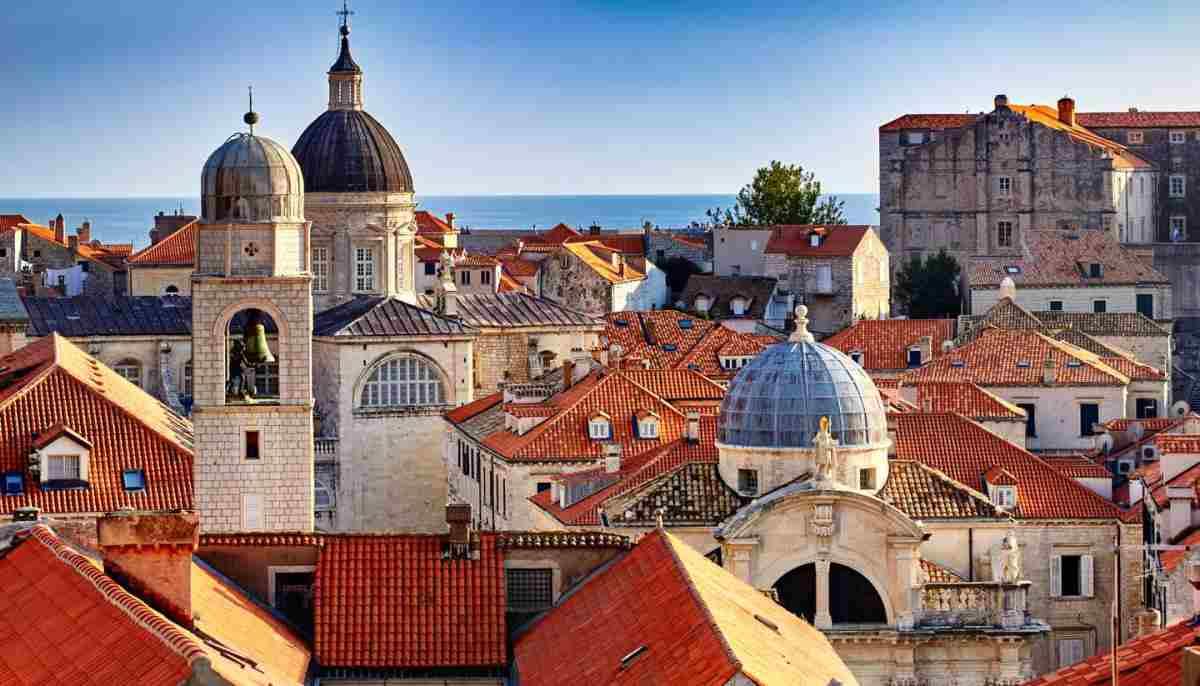 Ευρώπη: 3 μαγικές πόλεις μάς καλωσορίζουν μετά το lockdown! Μακριά από τον συνωστισμό και με ιδιαίτερη γοητεία...