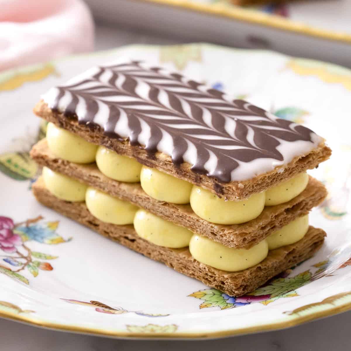 Τα 10 διάσημα γλυκά της Γαλλίας απογειώνουν τη ζαχαροπλαστική! All time classic γεύσεις...