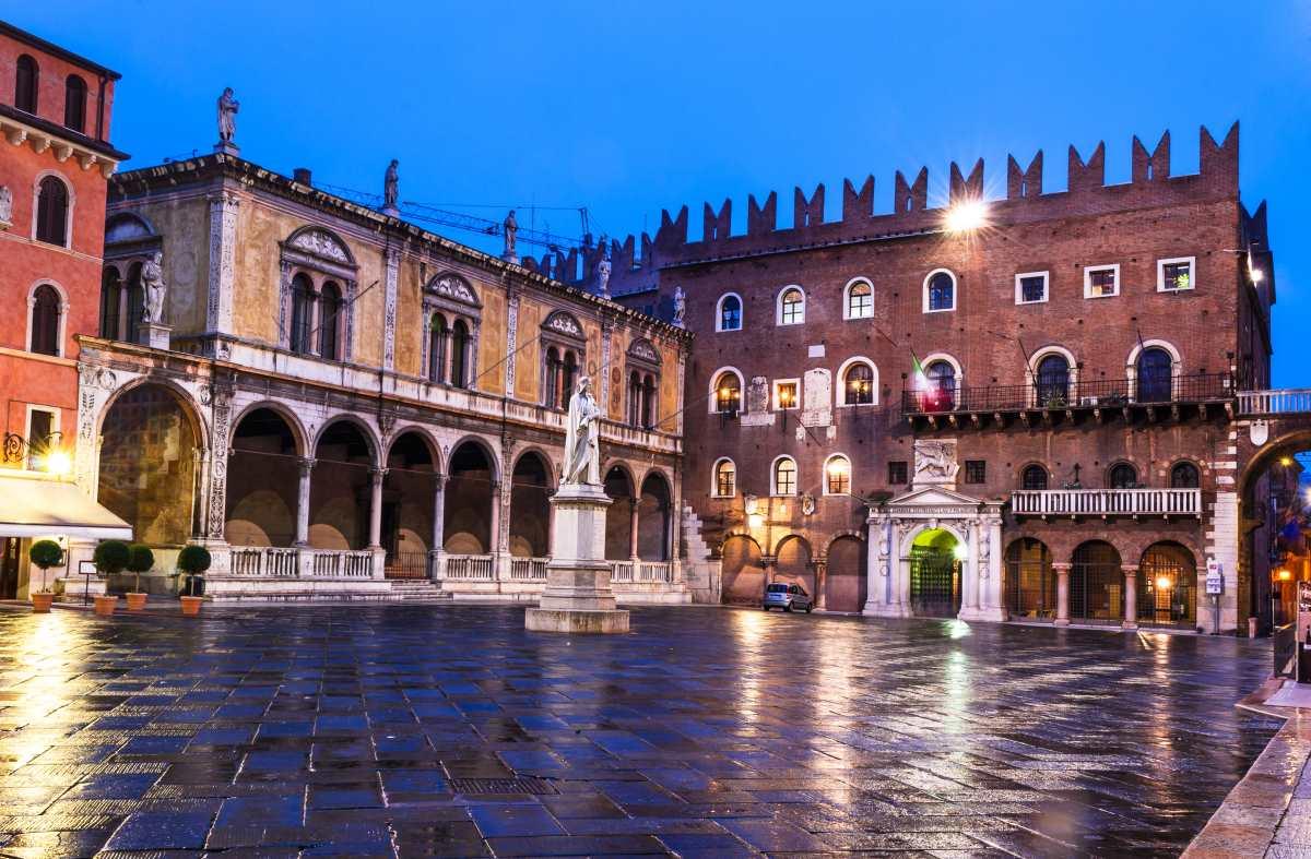 Piazza dei Signori, Βερόνα