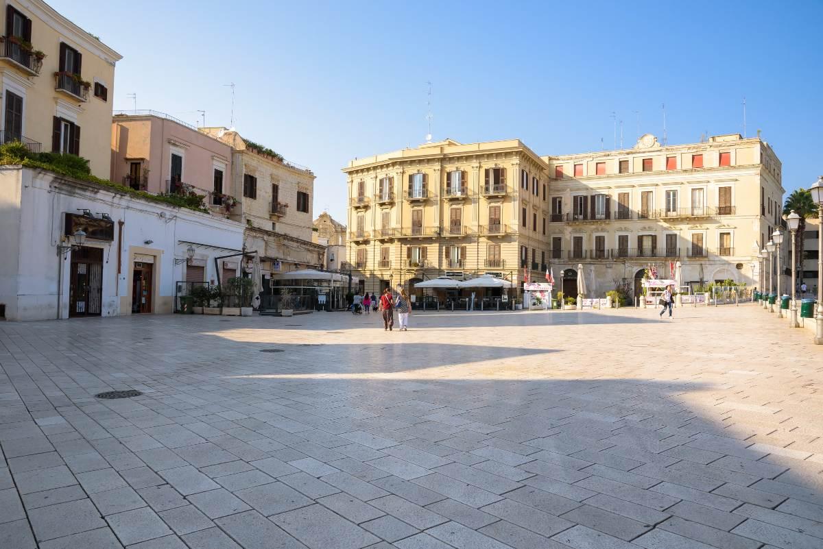 Piazza del Ferrarese, Μπάρι