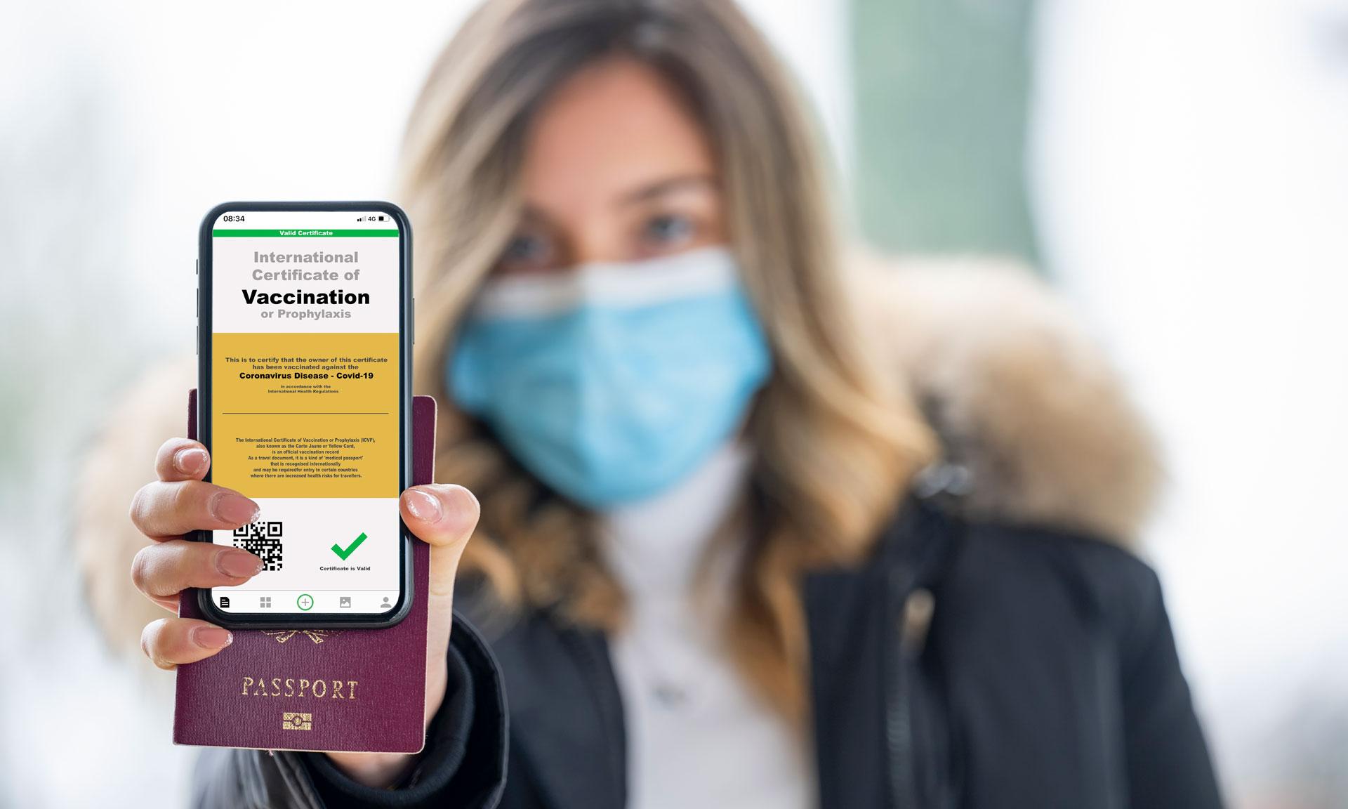 """Διαβατήριο εμβολιασμού: Τι είναι η """"πράσινη κάρτα"""" ταξιδίου και 7 καίριες ερωτήσεις/απαντήσεις..."""
