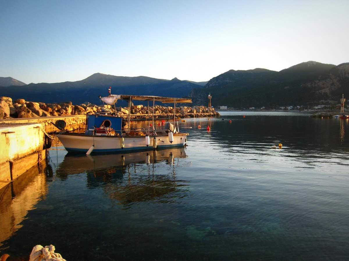 Αλεποχώρι λιμάνι