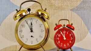 Θα γυρίσουμε φέτος τα ρολόγια μας 1 ώρα μπροστά; Θα είναι η τελευταία φορά;