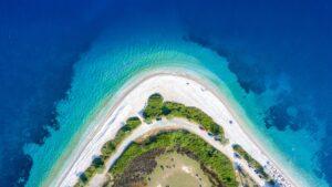 Αλόννησος: Ο ιδανικός προορισμός για ήρεμες διακοπές – Το νησί που η ίδια η φύση έχει πλέξει το εγκώμιό του…