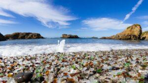 Οι 7 παραλίες με τα πιο ασυνήθιστα χρώματα στον κόσμο -Ανάμεσά τους 2 ελληνικές!