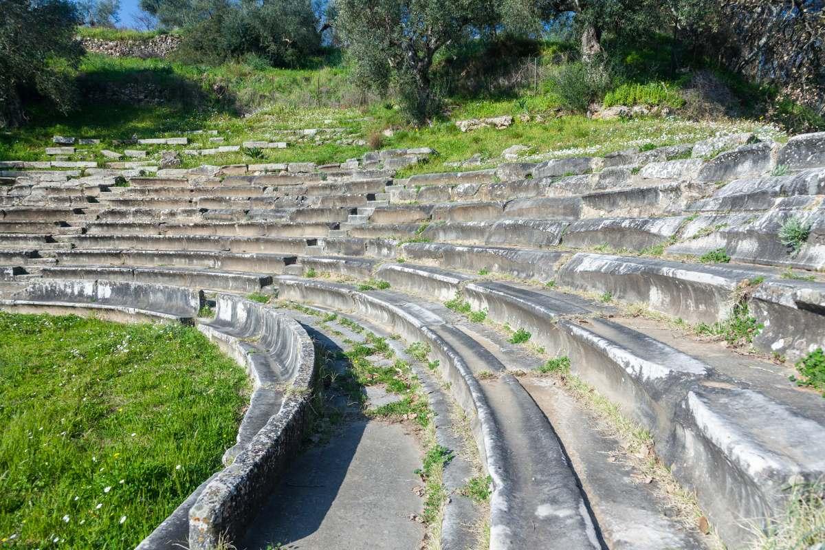 Γύθειο αρχαίο θέατρο