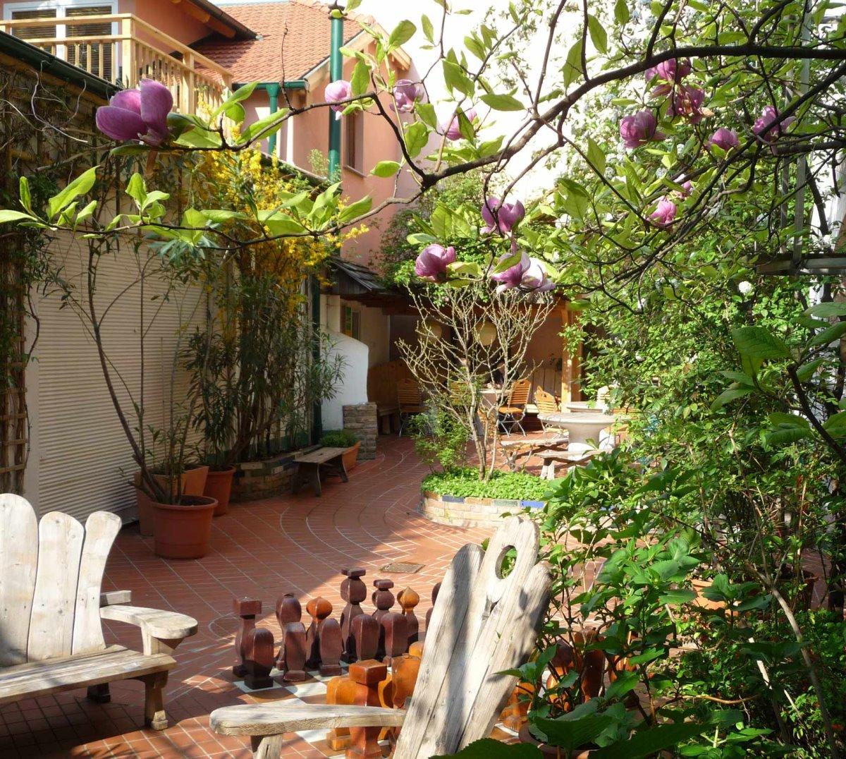 Hostel κήπος