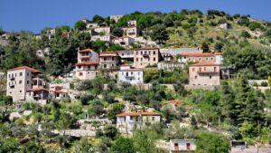 """Καρύταινα: Το μεσαιωνικό χωριό της ορεινής Αρκαδίας που θεωρείται το """"Τολέδο"""" της Ελλάδας!"""