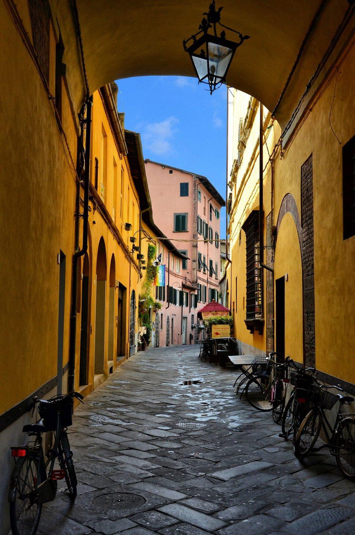 Λούκα, Ιταλία