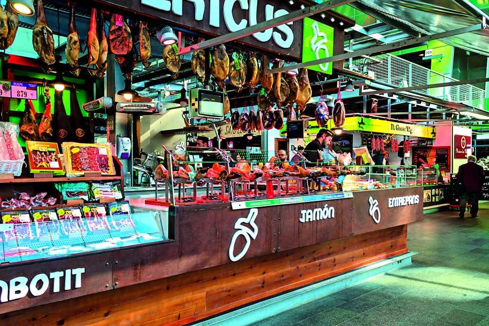 Markthal αγορά, πάγκοι με αλλαντικά