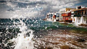 Τα 4 ομορφότερα ελληνικά νησιά που αξίζει να επισκεφθείτε πριν καλοκαιριάσει!