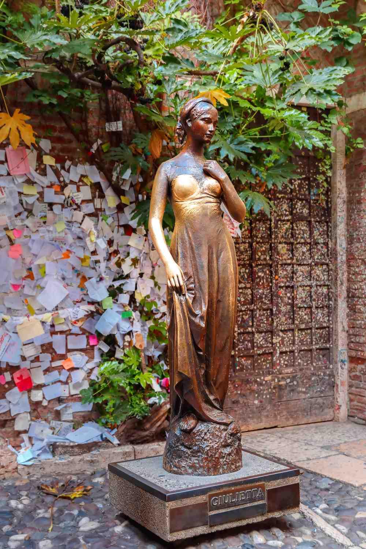 Σπίτι Ιουλιέτας, άγαλμα